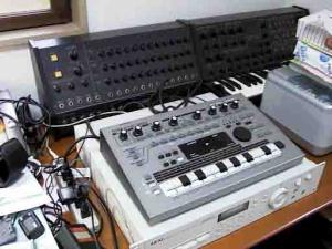 041010musicdevices.jpg